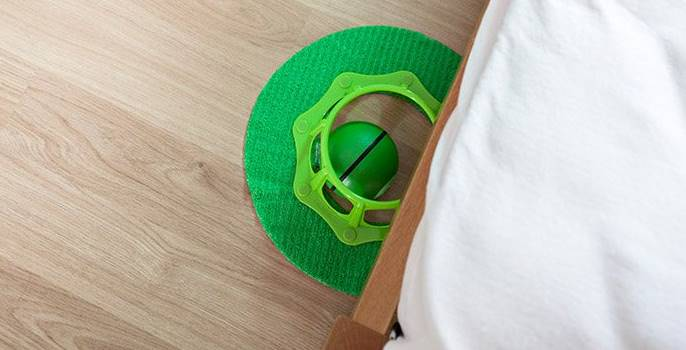 ROBOMOP-GREEN-FLOORDUSTER-action