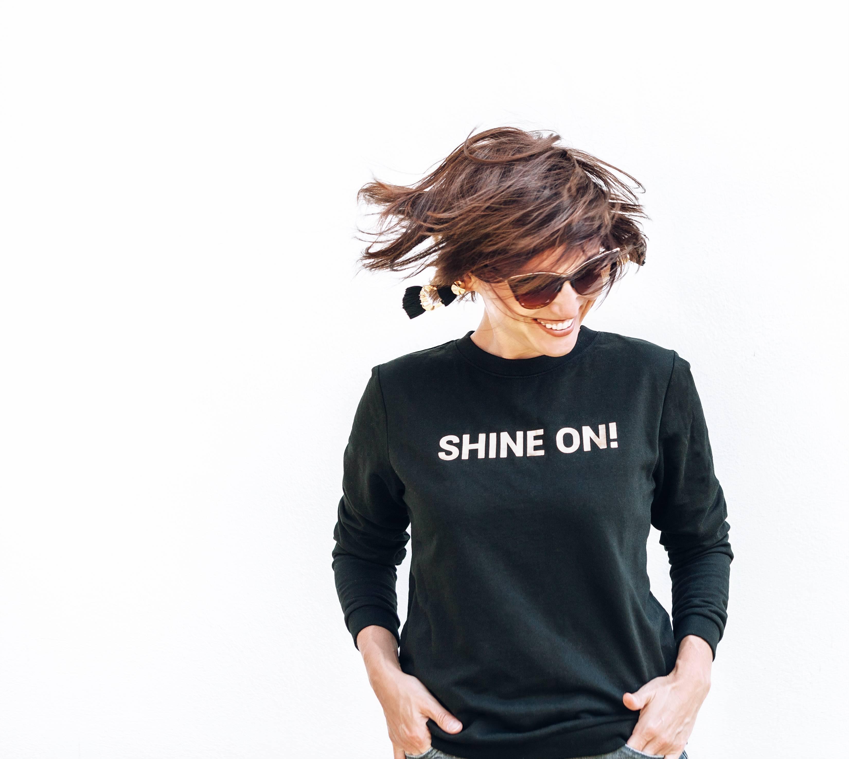 sweat shirt message personnalisé look féminin
